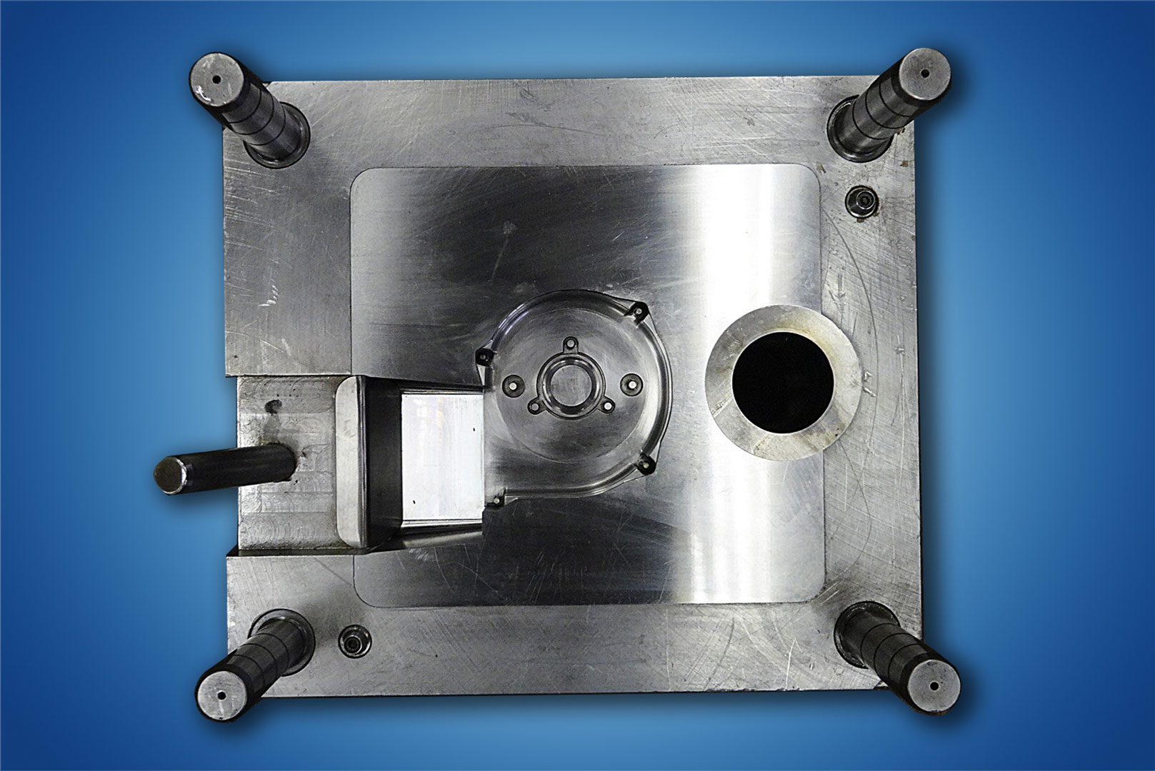 Ero-Projekt-d.o.o.-Toolshop-Werkzeugbau-5-Orodja-za-tlacno-litje-_-slika-4