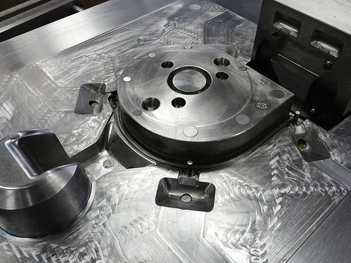 Toolshop–Werkzeugbau–orodjarstvo-5
