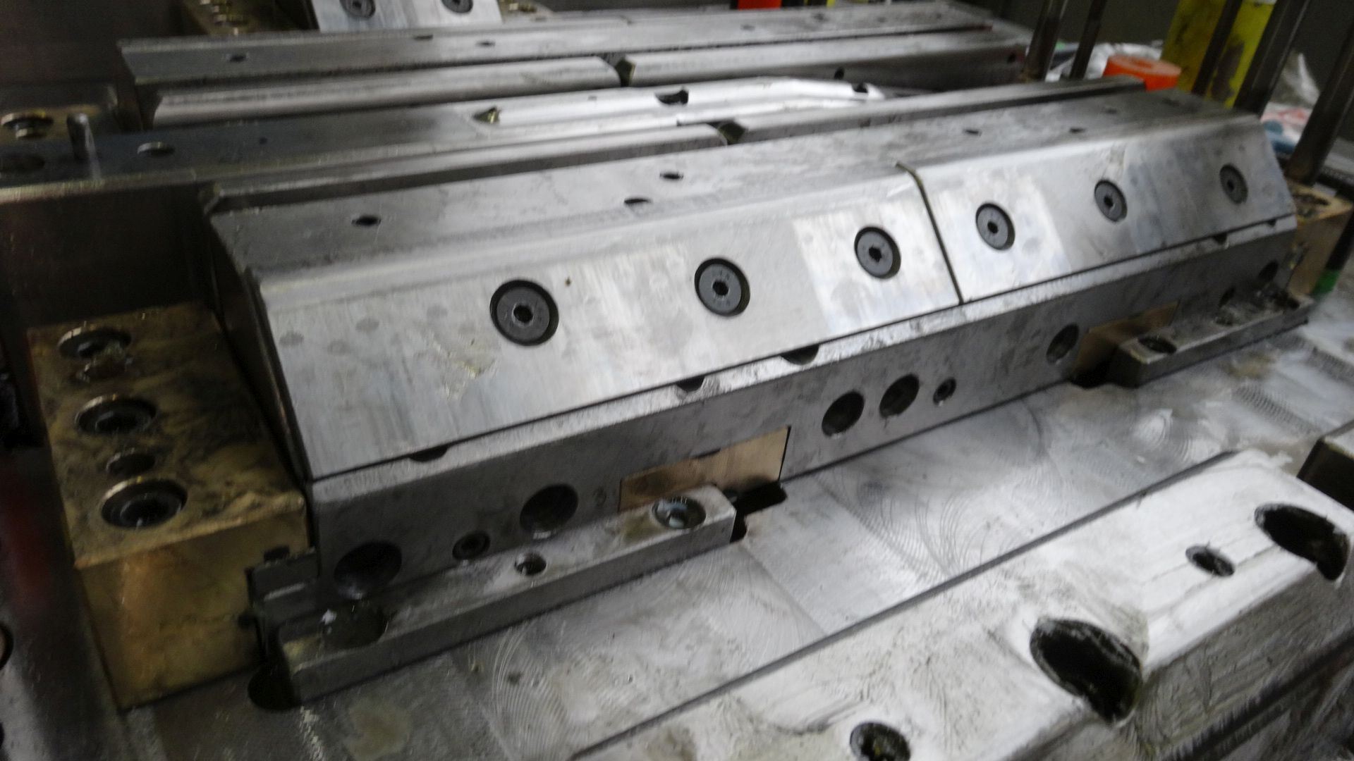 Toolshop–Werkzeugbau–orodjarstvo-DSC00650